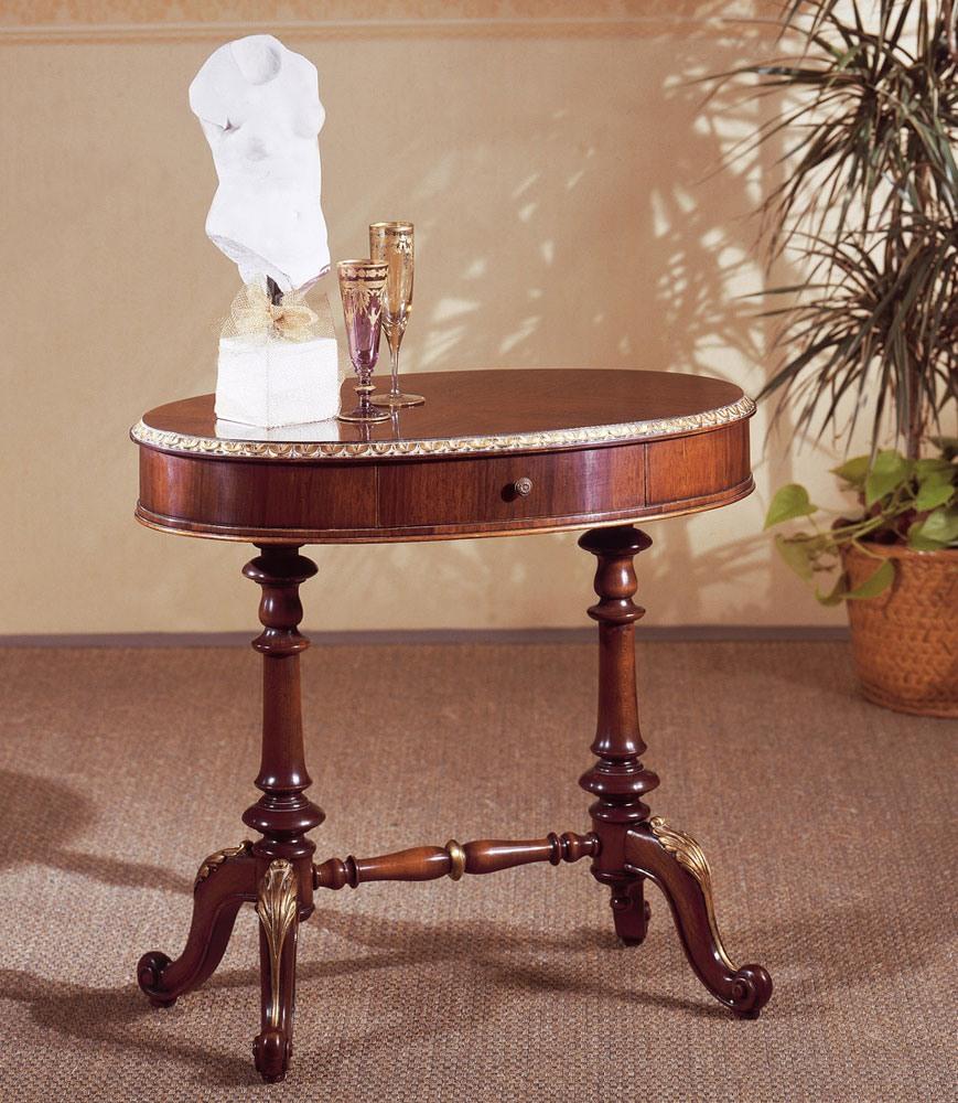 Art. 208, Petite table classique, en bois sculpté, avec plateau rond