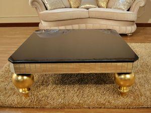 Art. 2406 Valentina Day, Petite table décorée précieusement pour Suite
