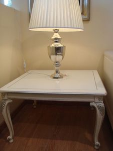 Art. 316, Table basse en bois pour le salon classique, laqué, argent