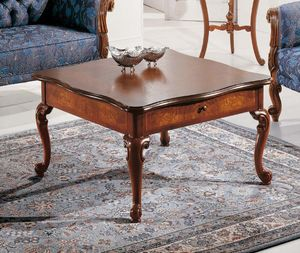 Art. 3590, Table basse en bois de style Louis XV