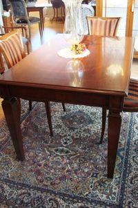 Art. 847, Table extensible pour la cuisine de luxe classique