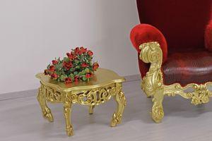 Finlandia s, Tables basses sculptées dans le style de luxe classique