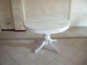 Mr. Burke, Table extensible avec plateau rond, style classique