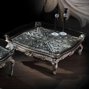 Table basse 4646, Table basse classique avec finitions argentées
