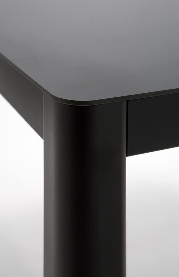 La h75, Table de métal et HPL, ligne contemporaine
