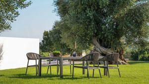 Victor low, Table à manger en plein air
