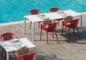 Togo H72, Tables en métal utilisables à l'extérieur