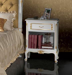 Art. 360/L, Table de chevet de style Louis XV