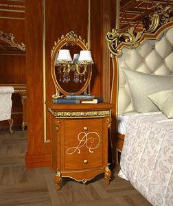 Botticelli table de chevet, Table de chevet en noyer, d�tails dor�s