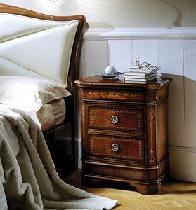 C 701, Table de chevet en acajou incrusté, avec ouverture supérieure