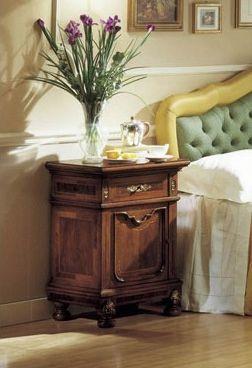 GRANDUCATO / Bedside table, Table de chevet classique en noyer pour Chambre