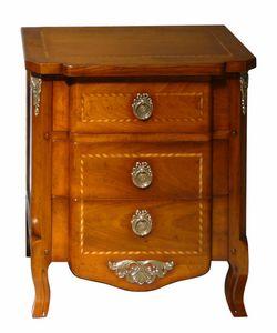 Nimes VS.2041.A, Table de chevet 700 régence française à trois tiroirs