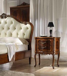 P 701, Table de nuit laquée, avec des décorations en style '700