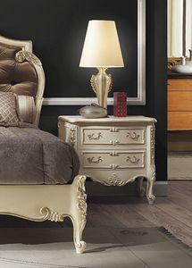 R67 / table de chevet, Table de chevet de luxe en bois laqué