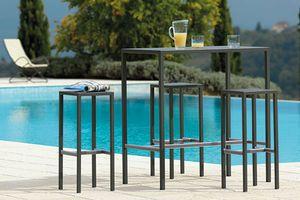 Seaside, Table outdoor en acier galvanisé