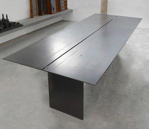 ART. 262/F STEEL, Table élégante, dans de la cire revêtu de métal