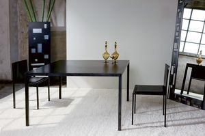 Ernesto Natural, Table en métal, avec un design minimaliste, conçue au millimètre près