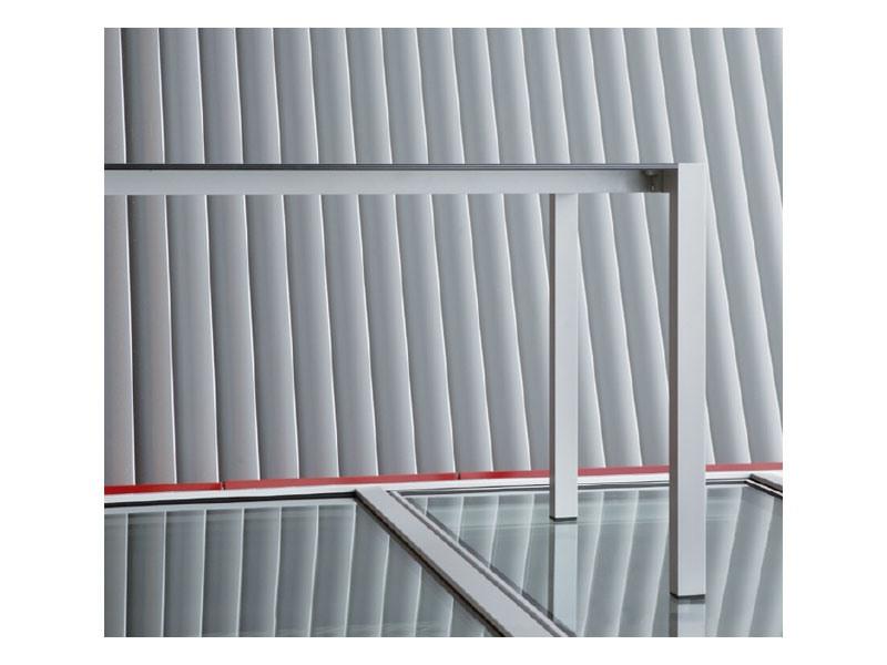 Space cod. 101, Table rectangulaire en aluminium en différentes couleurs