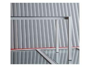 Space, Table durable en aluminium anodisé pour les bars et les hôtels