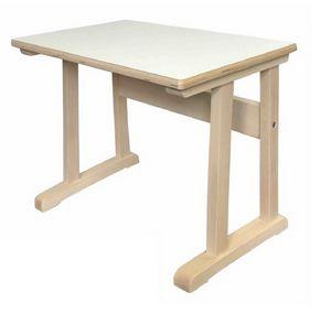 CLASSE, Bureau d'école en bois