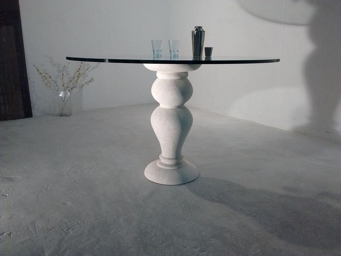 700 table, Table à manger, avec plateau en verre ronde, base de pierre de Vicence