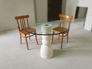 Oso table, Table à manger avec une base en pierre et plateau en verre