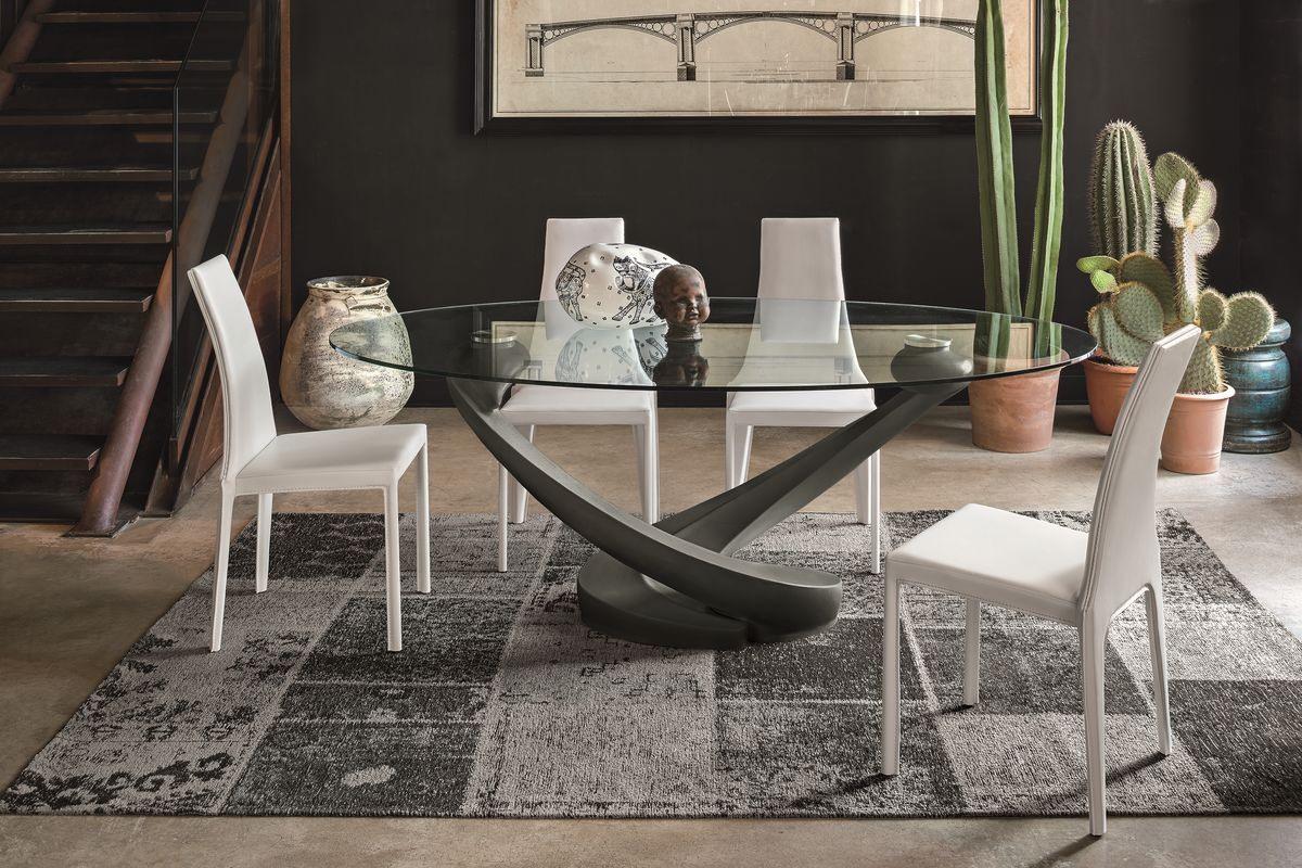 Table Ovale Avec Plateau En Verre Pour La Cuisine Moderne Idfdesign