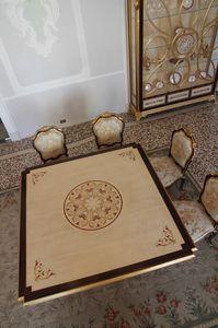 Nobile table, Table à manger avec plateau incrusté