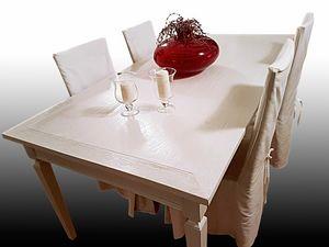 Pearl HD.0005, Table laquée en chêne avec trois tiroirs