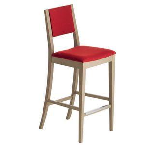 Sintesi 01582, Tabouret de bar en bois massif, assise et dossier rembourrés, revêtement en tissu, avec plinthe en acier inoxydable, pour les environnements de contrat et domestiques
