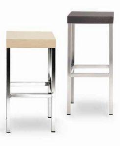 Cube-L, Tabouret en métal, avec siège carré en bois
