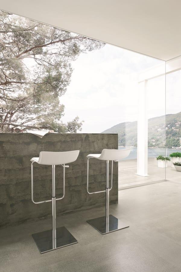 Asolo, Tabouret minimale avec base en métal, assise en cuir