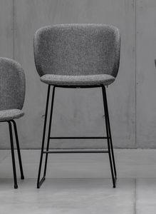 Dua stool, Tabouret avec base en métal