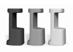 art. Serif-860, Tabourets en plastique d'extérieur