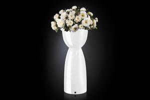 Vienna Composition, Vase avec des fleurs artificielles