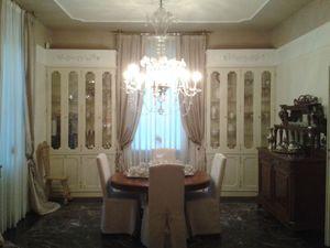 Antony, Vitrine classique idéal pour salle à manger