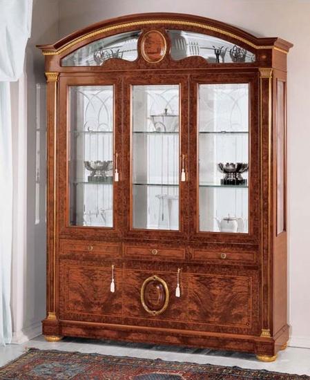 IMPERO / Display cabinet with 3 doors B, Vitrine en frêne avec portes en verre, style classique