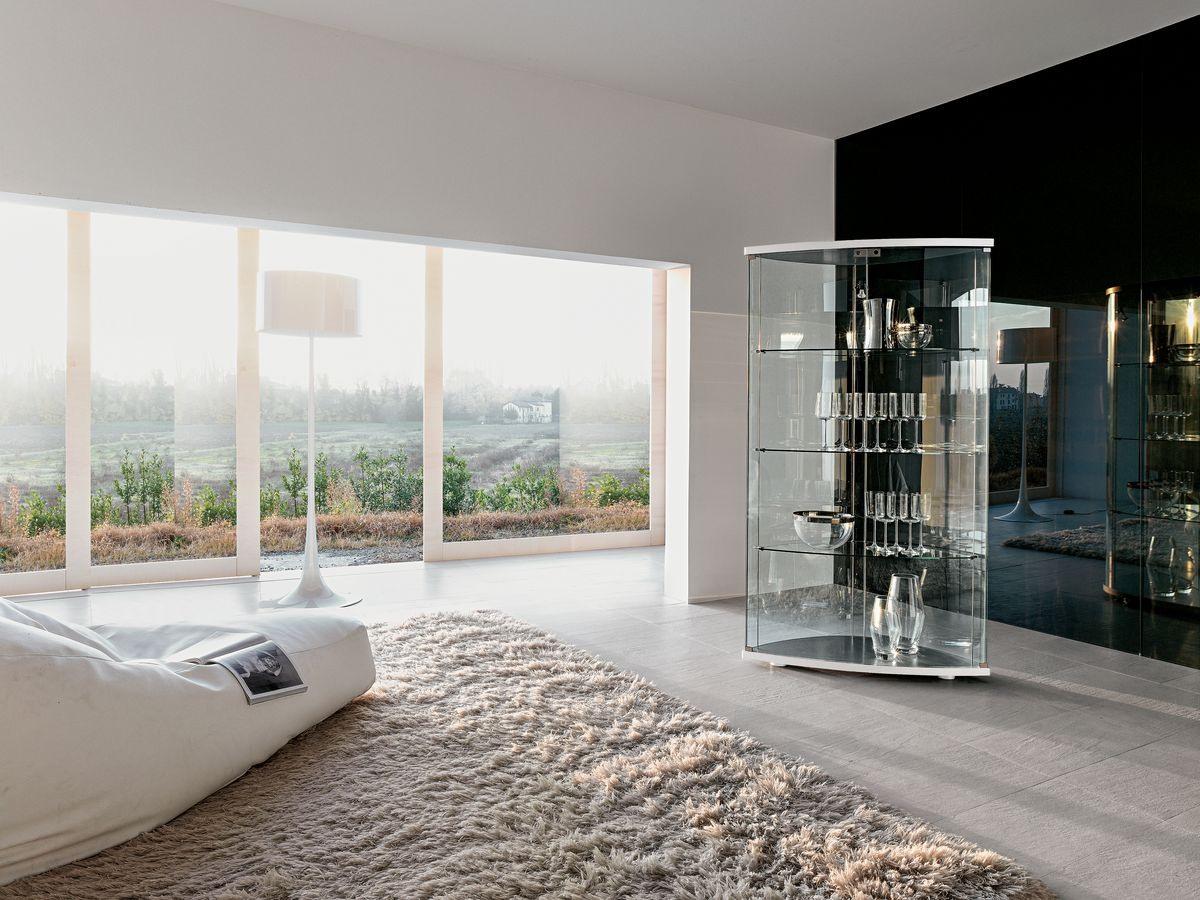 GRACÌA, Exposer des meubles en verre bombé, pour le salon moderne