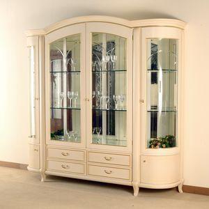 Hilton vitrine 4 portes, Vitrine élégante dans un style classique