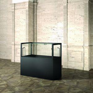 Museum MU/120FTM, Vitrine de musée, avec socle en bois